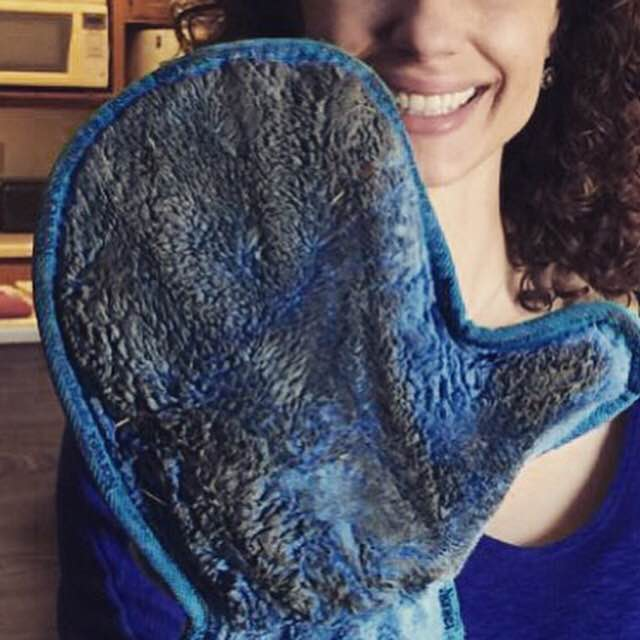 Norwex Dusting Mitt for Dirty Screens